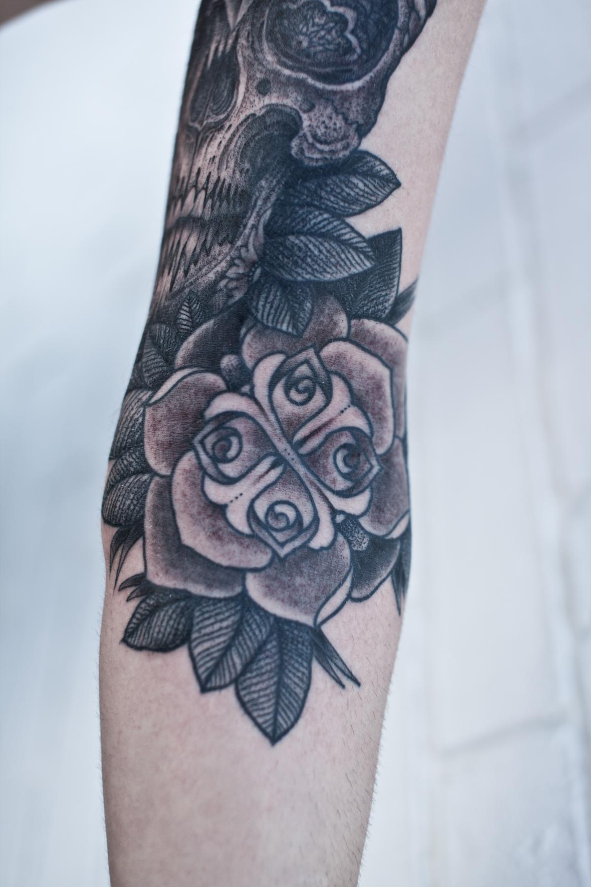 Full Sleeve Tattoos Tops Style
