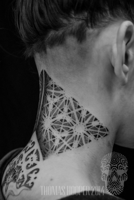alex snelgrove borneo ornamental hexahedron cyrstal dotwork tattoo-2