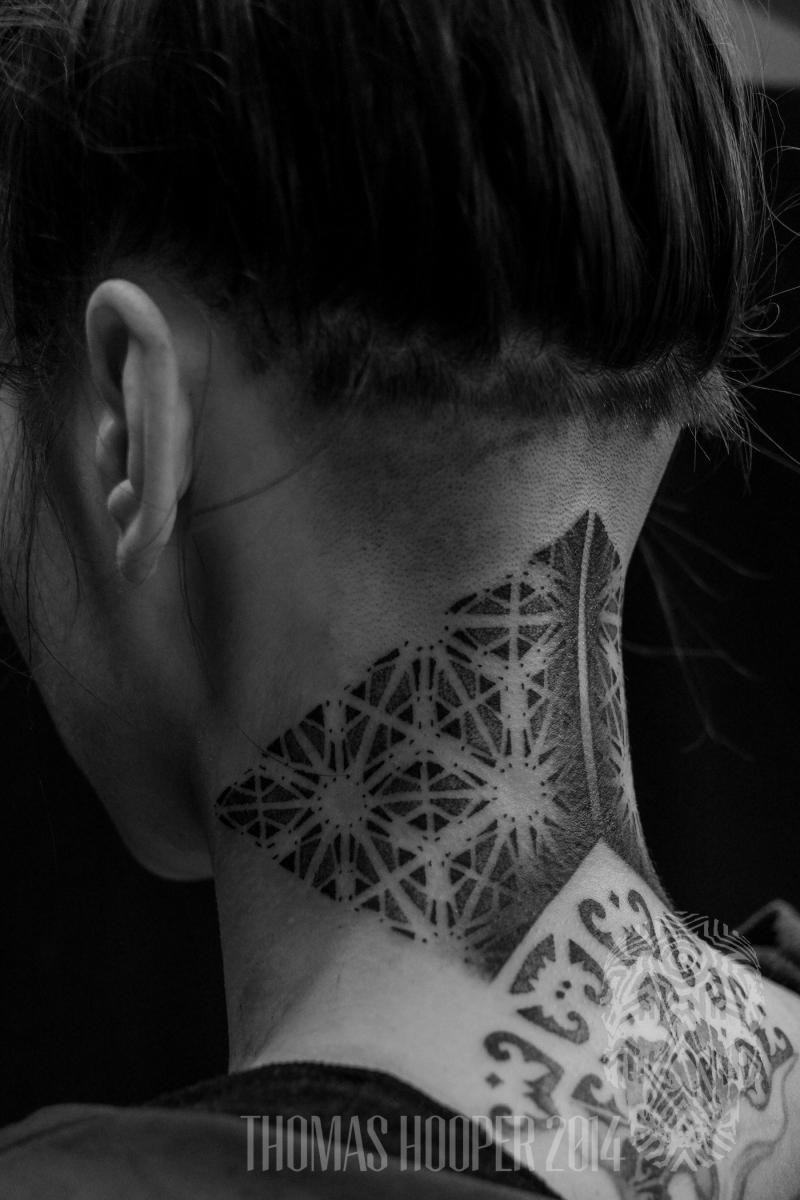 alex snelgrove borneo ornamental hexahedron cyrstal dotwork tattoo-3